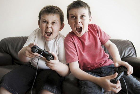 Діти та відеоігри: заборонити, дозволити, ваш варіант...?