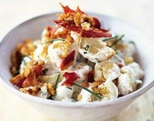 Простенький салат з картоплі, якщо хочеться чогось новенького
