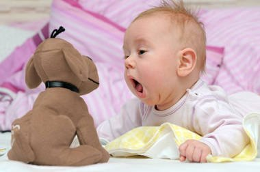 Коли дитина починає говорити?